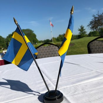 91 Swedish flags